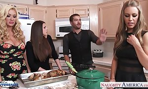 Sexy beauties brooklyn pursue, nicole aniston increased by summer brielle acquires nailed