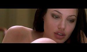 Angelina jolie ground-breaking sin 2001