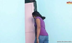 Desimasala.co - bhabhi liaison on touching plumber in Euphemistic go to the men's